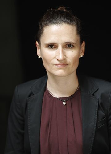 Dr. Claudia Irion-Senge