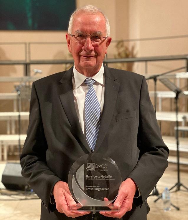 Ernst Burgbacher erhält Hans-Lenz-Medaille 2021